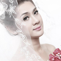 Lung linh ảnh Lâm Chí Khanh mặc váy cưới