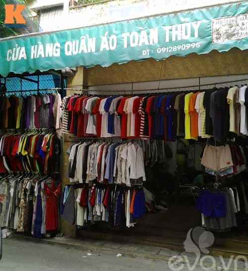 mot ngay lang thang cho hang thung dong tac - 1