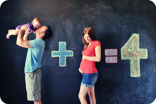 Gia đình luôn là tiếng gọi thiêng liêng, nơi tràn ngập nụ cười và niềm hạnh phúc của mỗi người. Chụp ảnh kỉniệm cùng các thành viên trong gia đình là điều không thể thiếu.Cùng ngắm những 'idea' chụp ảnh gia đình siêu dễ thương và sáng tạo sau đây nhé!