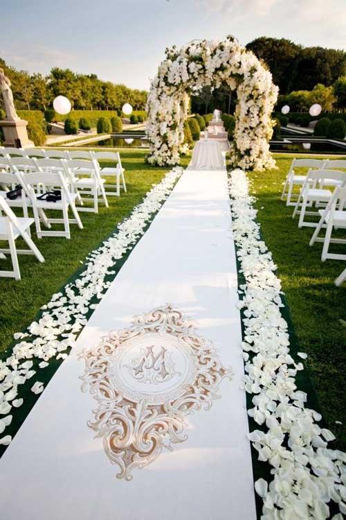 Tiệc cưới ngoài trời lãng mạn mà tiết kiệm - 6