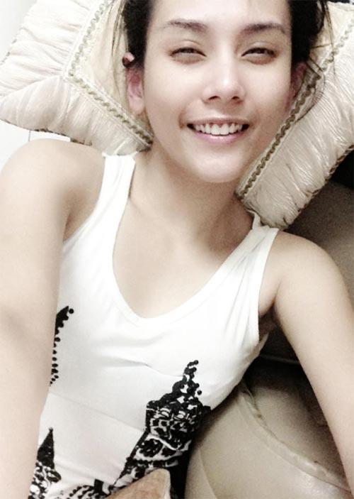 angela phuong trinh khoe lung tran goi cam - 12