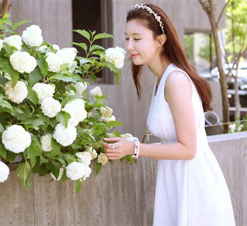 Cách để xinh đẹp với đầm trắng - 19
