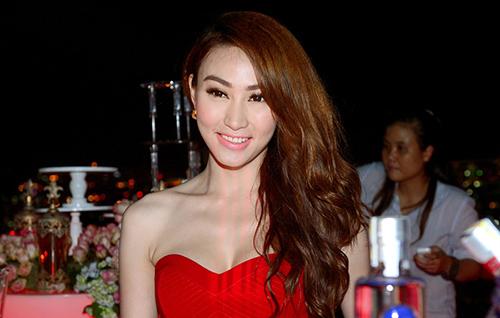 ly nha ky 'lan luot' mai phuong thuy - 16