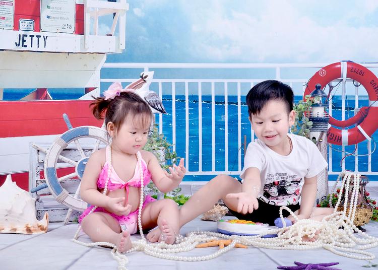 Mùa hè đến, hai anh em bạn Khoai và Cốm đã được mẹ cho đi biển rồi đấy nhé!