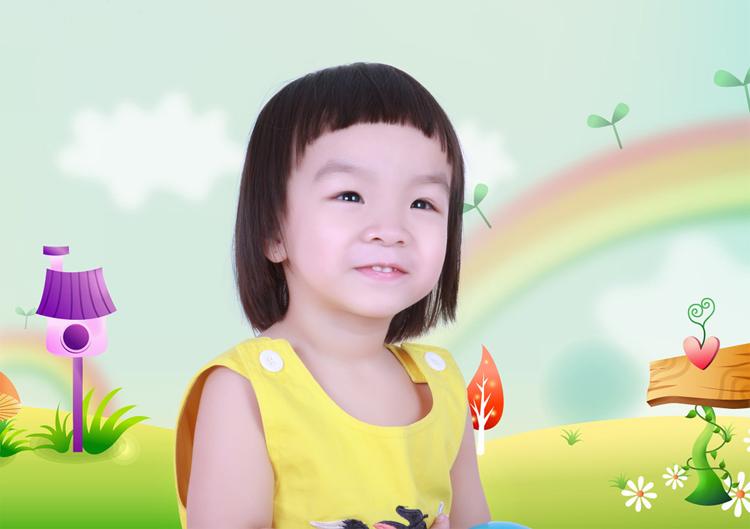 Con xin tự giới thiệu tên con có Nguyễn Phạm Ngọc Hân, con được gần 2 tuổi rồi ạ.