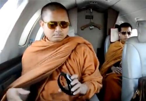 thai lan: nha su di chuyen co so huu 22 xe mercedes - 1
