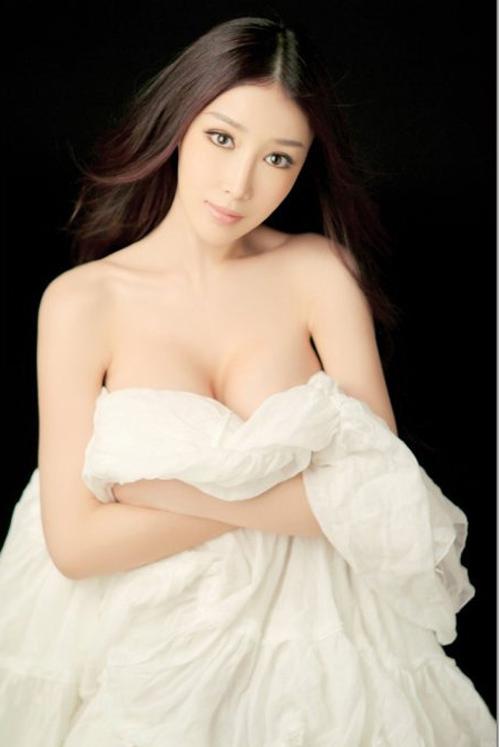 5 bí quyết nở ngực nên biết - 2