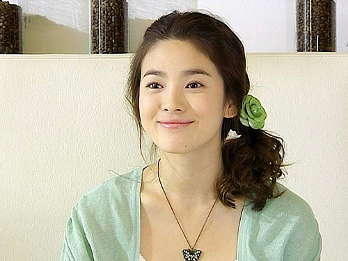 4 kieu toc gay 'sot' cua song hye kyo - 2