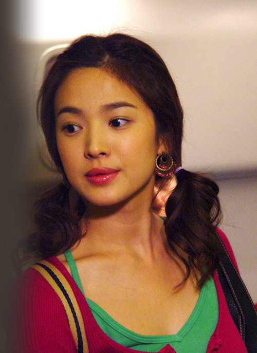 4 kieu toc gay 'sot' cua song hye kyo - 4