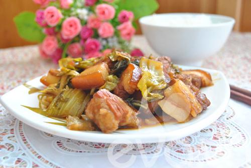 Đổi món với thịt kho dưa - 9
