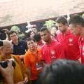 """Làng sao - Tuyển thủ Arsenal """"khoái"""" thăm thú Việt Nam"""