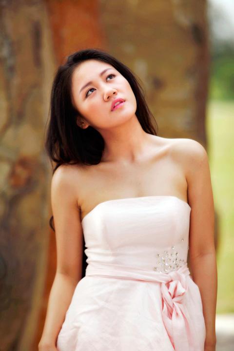 """van mai huong la lam trong"""" vay hong"""" - 1"""
