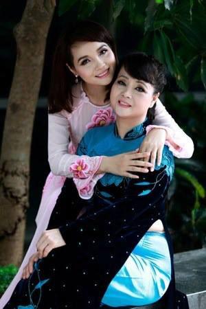 """tran thanh di choi cung nguoi yeu """"hot girl"""" - 17"""