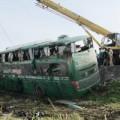 Tin tức - Lật xe khách Bắc-Nam, 20 người hút chết