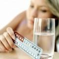 Sức khỏe - Tuổi nào không nên uống thuốc tránh thai?
