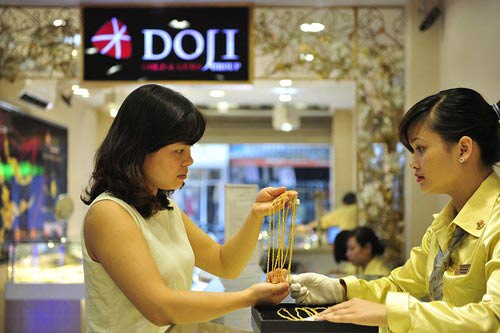 vang tang dot bien, gan cham moc 39 trieu dong/luong - 1