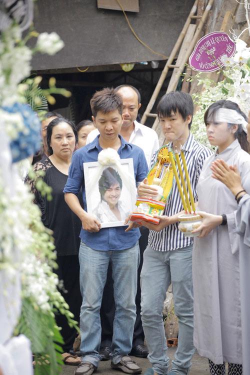 tuan qua: showbiz khong thuc su bac beo - 1