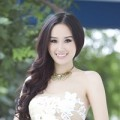 Làm đẹp - Cô dâu gợi cảm với tông trang điểm nhẹ
