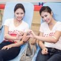 """Làng sao - HH Ngọc Hân """"rủ"""" Nguyễn Thị Loan đi hiến máu"""