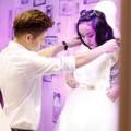 Mẫu teen Bảo Trân thử váy cưới cùng trai lạ