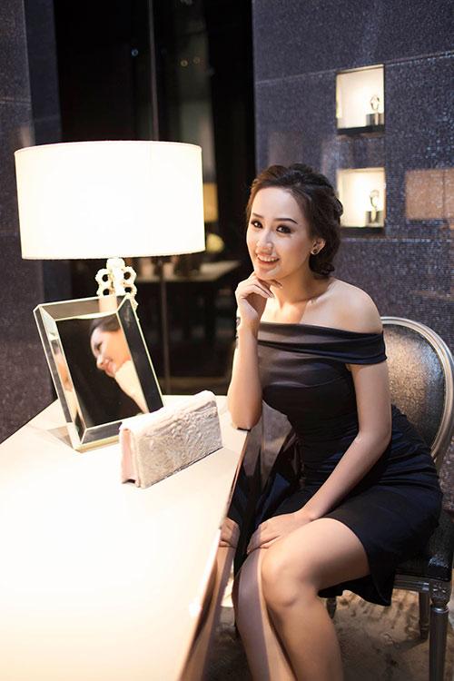 mai phuong thuy kin dao van cuon hut - 8