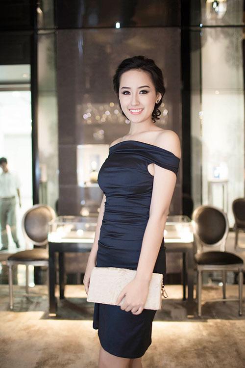 mai phuong thuy kin dao van cuon hut - 9