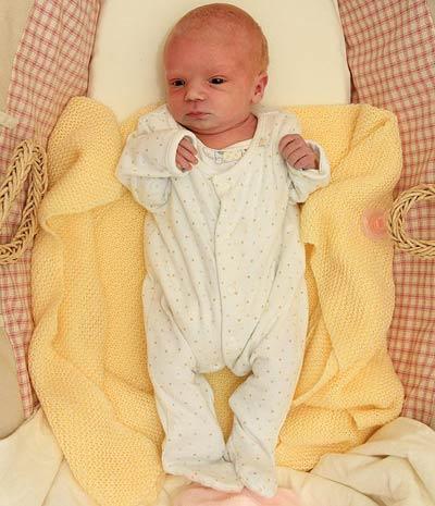 anh: bat ngo sinh con sau 15 tieng biet co thai - 2