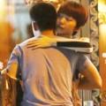Làng sao - Bắt gặp Tóc Tiên ôm hôn bạn trai giữa phố