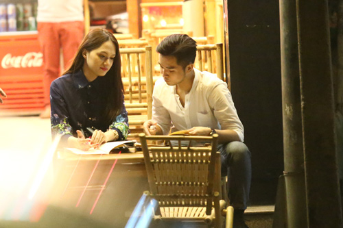 huong giang idol ba co ban trai o quan via he - 4