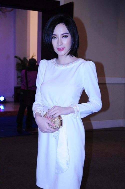 tuan qua: angela phuong trinh va khanh thi gay sot - 2