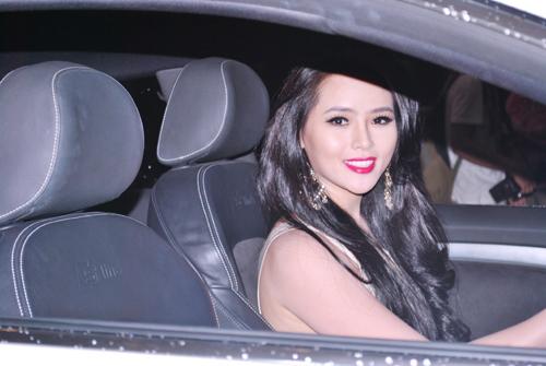 """lai huong thao """"vuot"""" phuong trinh voi xe 2,3 ty - 3"""
