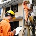 Mua sắm - Giá cả - Điện, xăng tăng giá: Nặng gánh cho người nghèo