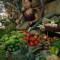 Mua sắm - Giá cả - Mưa bão ngớt: Thủy sản, rau xanh vẫn không xuống giá