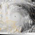 Cảnh báo: Siêu bão Utor giật cấp 17 quần thảo biển Đông