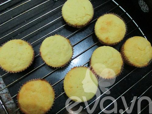 tap lam cupcake bo chanh - 6