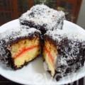 Bếp Eva - Bánh Lamingtons nhân mứt ngon mềm