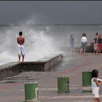 Cận cảnh siêu bão Utor tàn phá Philippines