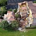 Tin tức - Video: Hố tử thần nuốt chửng 2 biệt thự