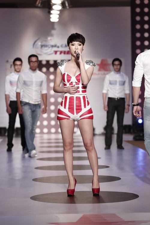 tra my idol khoe dang chuan ben dan mau nam - 6