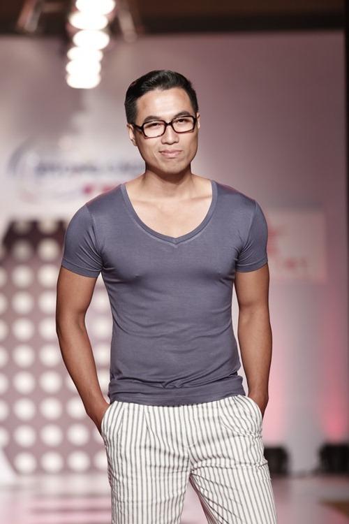 tra my idol khoe dang chuan ben dan mau nam - 9