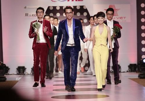 tra my idol khoe dang chuan ben dan mau nam - 13