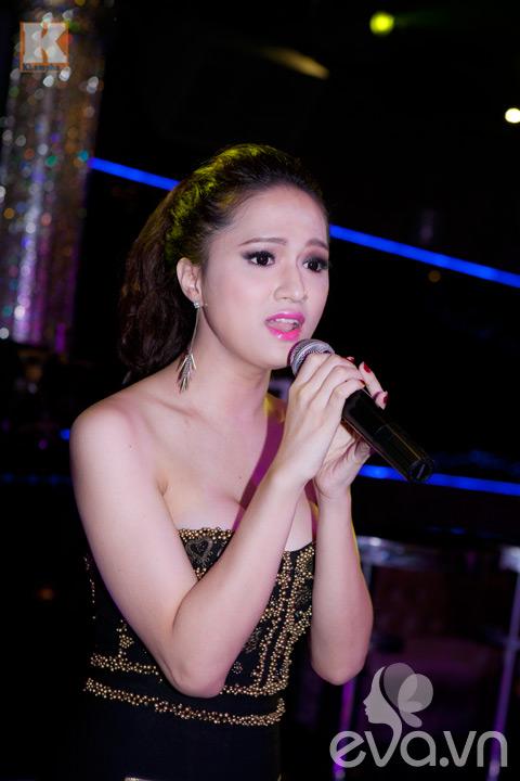 huong giang idol khoe vong 1 cang tron - 8