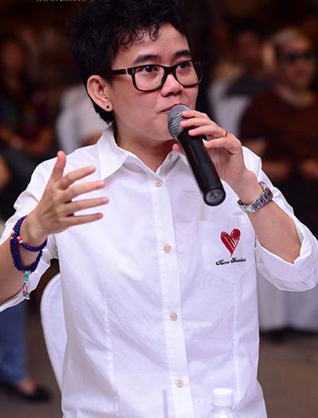 phuong uyen: sao phai lay lai danh tieng? - 1