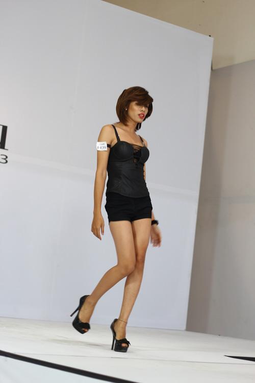 thi sinh chuyen gioi dong loat 'trang tay' tai next top - 3