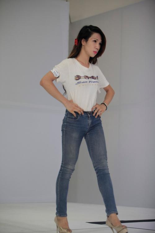 thi sinh chuyen gioi dong loat 'trang tay' tai next top - 11