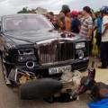 Tin tức - Đại gia gỗ cầm lái siêu xe Roll Royce gây tai nạn
