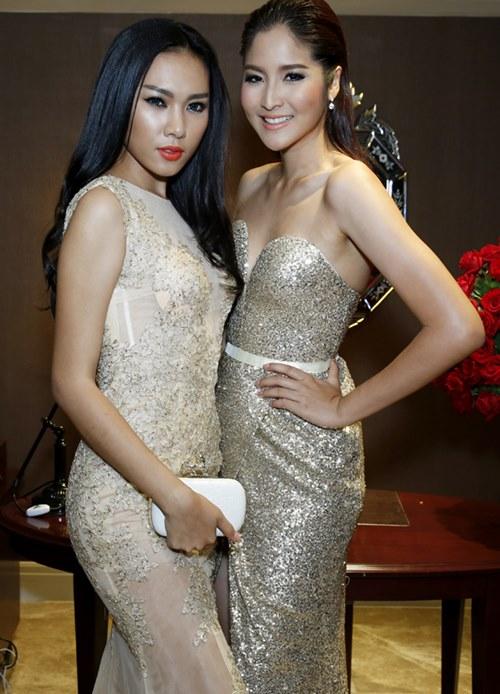ngoc trinh khoe vai tran du tiec o thai lan - 9