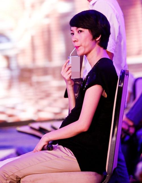 xuan lan bau 7 thang van cham chi lam viec - 2