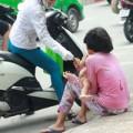 Tin tức - Những đứa trẻ làm 'kiếp ăn xin' trên phố Sài Gòn
