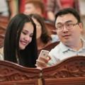 Làng sao - Vợ chồng HH Hương Giang trốn con đi xem múa